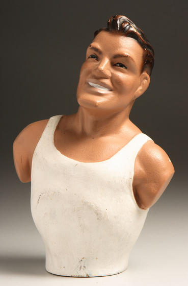 Chesty Bond figurine-detail23cmtall